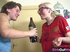 lesbica sesso orale biondo