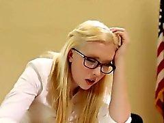 baby blondine brünett college lesbisch