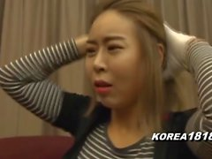 korea181 - Sexy Cougar Dressed for Golf