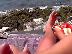 Am Strand einen abgewichst