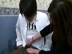 asiatico pompino brunetta doccia adolescente
