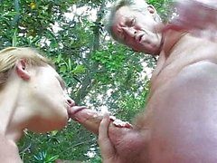 pareja sexo oral rubia
