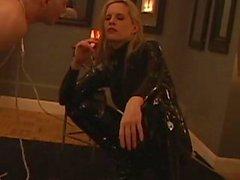 rizado pliegue de fumar femdom