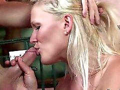 gros seins blond pipe