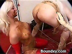 bdsm rubia obligado dominación fetiche