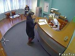врач hiddencam подросток облизывание