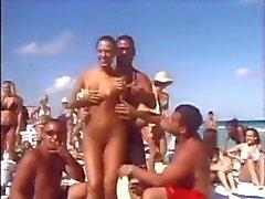 piscando nudez em público