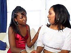 lesbiennes zwart en ebony strapon milfs grote borsten
