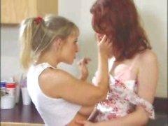 danni ashe justine joli niña con chica - sexo femenino cómoda