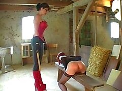 isot tissit femdom saksa lesbot