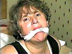 Mujer Madura atada en un hotel en Las Vegas