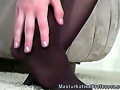 brunette fétiche masturbation nylon
