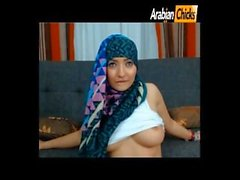 Muslimgirll twerk and tease (private videos at arabianchicks)