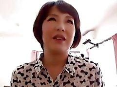 japanese av -modell asiatisch reifen dreier