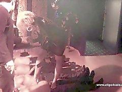 dannii harwood viol collectif blond gros seins gros cul