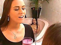 banheiro fetiche chuva de ouro líquidos xixi