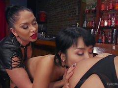 anal lésbicas femdom threesomes de vídeos hd
