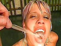 fetisch gyllene duschar kissa porr peeing porr