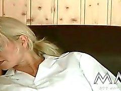 diana pari emättimen seksiä suuseksiä