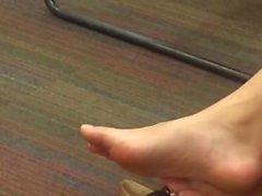chinesisches student aufrichtig - füße aufrichtig - schuhspiele sandalen