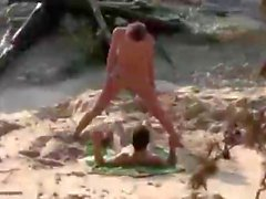 plage clignotant cames cachées nudité en public