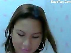 Pinay Naghubad Sa Harap Ng Webcam