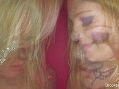 babes isot tissit blondit lesbot