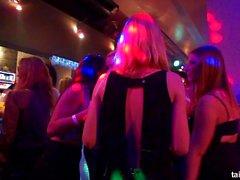 групповой секс оральный секс блондинка брюнетка кавказский