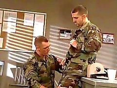 гей геи скряга военный