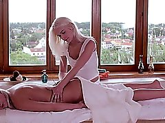Relaxxxed - Orgasmic lesbian oil massage
