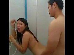 genç genç duş banyo gerçeklik
