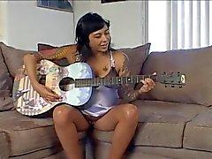 pregnant - Guitarplayer