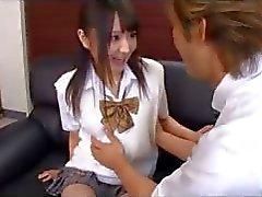 aziatisch japanse oriental schoolmeisje