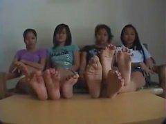 4 Girls, 8 Feet, 40 Toes