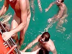 amatör rus plaj taylandlı kamu çıplaklık