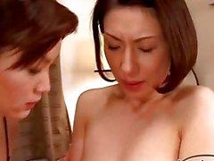 asiatique lesbienne