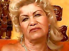 mummi mummon vittu mummo porno video mummon seksileffoja