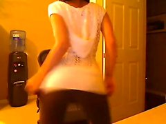 Brunette having an incredible body on cam show