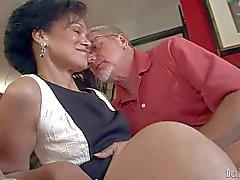 Elegant mature women blowjob foto 598