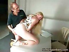 blond fetisch vingerzetting lesbisch