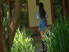 menina de solo asiático japonês