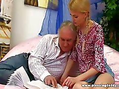 paar vaginale seks orale seks blond kleine tieten