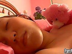 asiático mamadas sueño colegiala