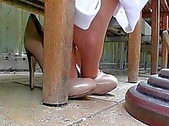 ilginçlik samimi - shoeplay ayaklar tabanlar topuk