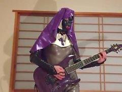 guitarra pantera látex freira