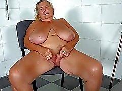 salle de bain granny porno lesbienne fille granny séduire