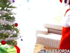 Jules Jordan - Holly Hendrix Ho Ho Ho… Santa Gave Me Anal For Christmas!