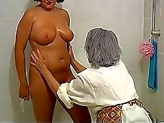 OmaPass BBW chubby Granny with old Mature woman in bath