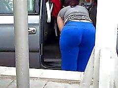Soccer Mom Huge Ass VPL Car Wash Candid wOw!!!