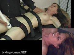bdsm pliegue orgasmo squirting realtickling
